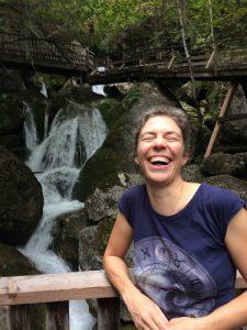 Yvonne Rutka am Bach @ www.seelennavigator.at